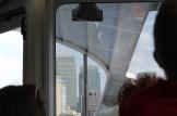 De hoge wolkenkrabbers van Canary Wharf zijn al van ver te zien.
