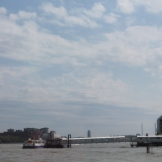 Hier is de Thames enorm breed.