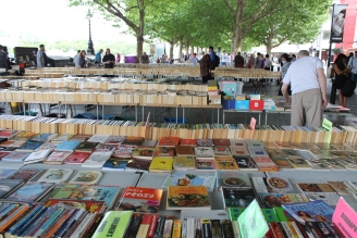 Soutbank Centre Book Market onder Waterloo Bridge.