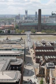 Hier buiten hebben we al een mooi zicht, bijvoorbeeld op The Millennium Bridge.